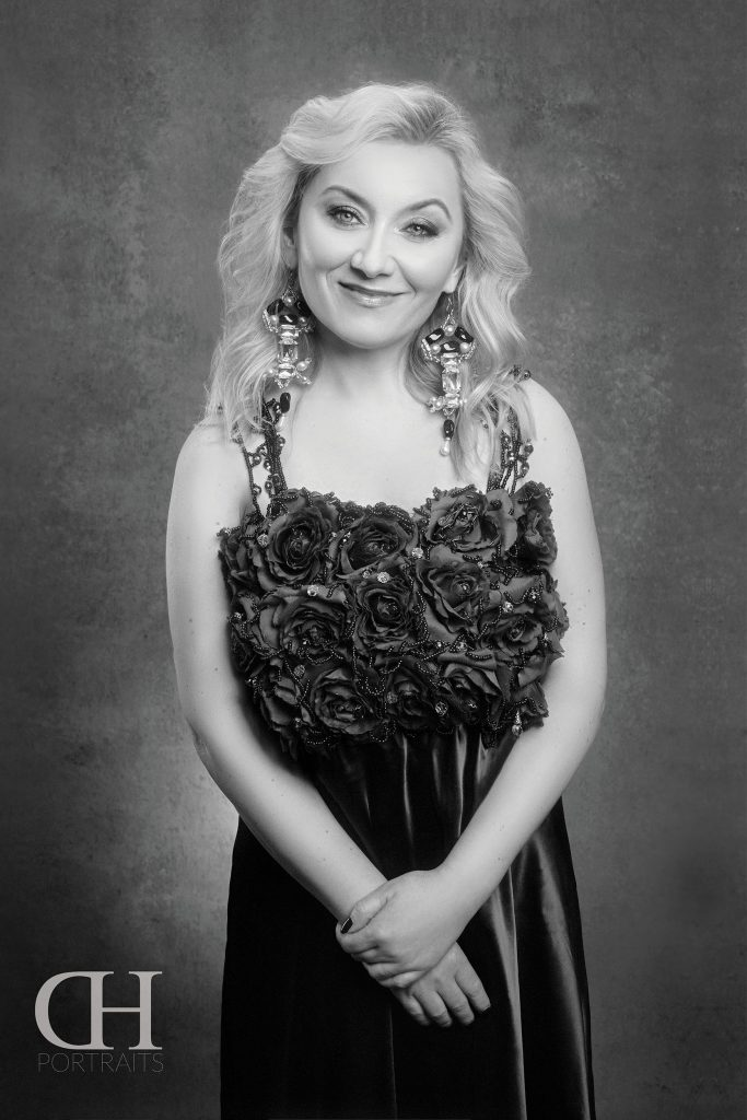 Noema Erba, Soprano 2019 - Portrait Portfolios for Artists - by Dan Hostettler Portraiture Prague